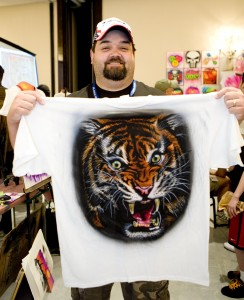 T-Shirt Airbrushing Student Randy Horton